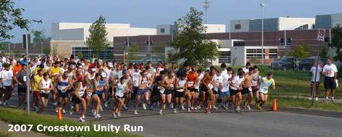 Photo of the start of the 2007 Crosstown Unity Run in front of Free State High School.