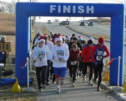 Photo of start of Lawrence Jingle Bell Run.