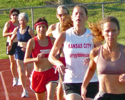 Photo of the women's 3000 at the Heartland Masters Rack Meet.