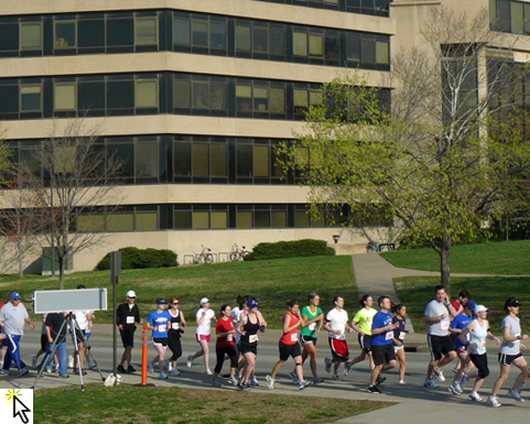 Photo of start of Race Ipsa 5K and lick to Flickr slideshow.