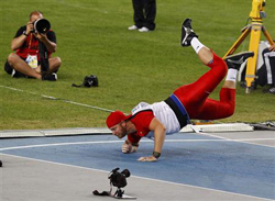 Photo of Canada's (& KU alum) Scott Russell in the javelin event.