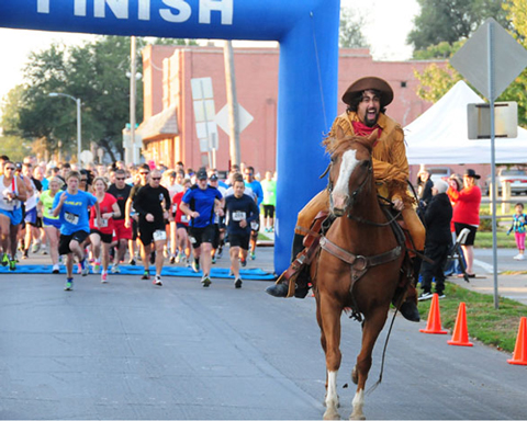 Photo of the start of the Pony Express Run in St Joe, Missouri.  Photo by SeeKCRun.