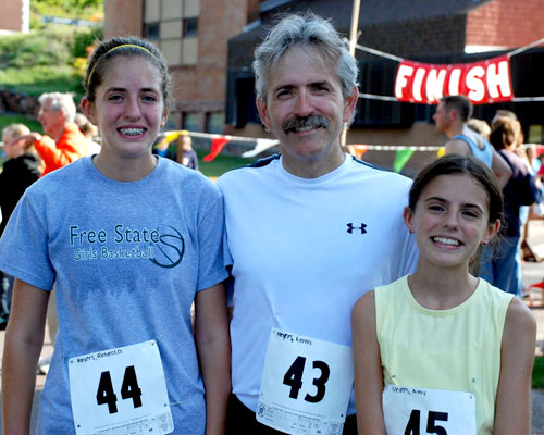 Photo of the Meyers Family at the Hancock Michigan Canal 10 Mile Run.